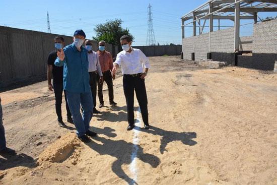 محافظ الغربية يتفقد مشروعات محطات مياه الشرب (1)