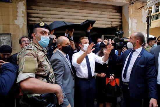 الرئيس الفرنسى فى شوارع بيروت