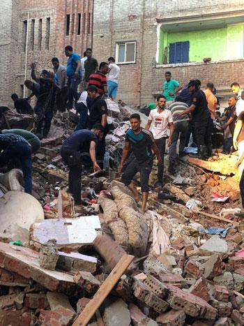 انهيار منزل من 5 طوابق بالمحلة (3)