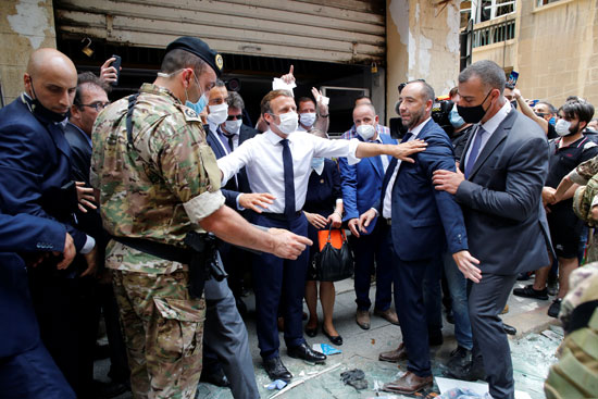 ماكرون فى شوارع بيروت