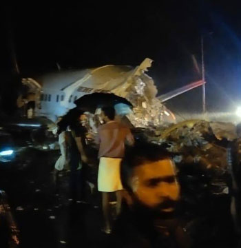 39947-تحطم-طائرة-في-الهند-(4)