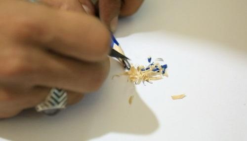 النحت على سن القلم الرصاص (14)