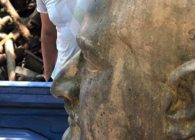 تمثال جمال عبد النار