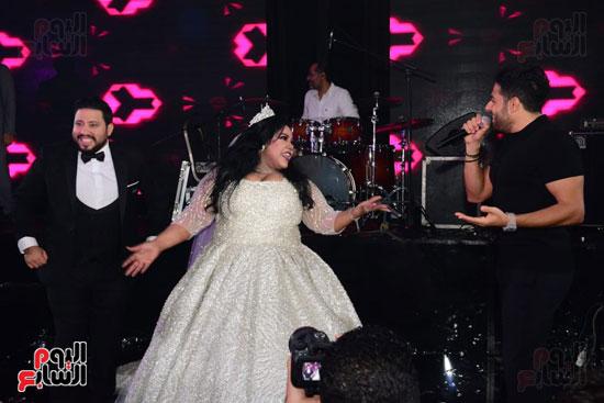 رقص شيماء سيف ممع حماقى فى حفل زفافها