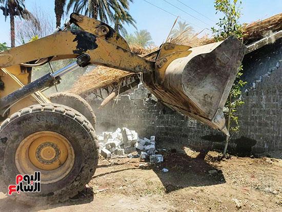 إزالة-التعديات-على-النيل-(2)