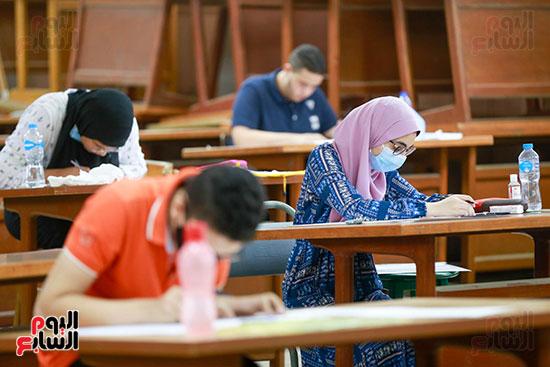 اختبارات القدرات بالجامعات (38)