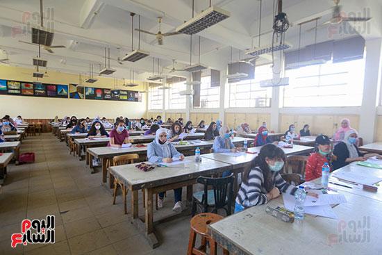 اختبارات القدرات بالجامعات (18)