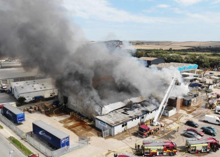 انفجار في بريطانيا (2)