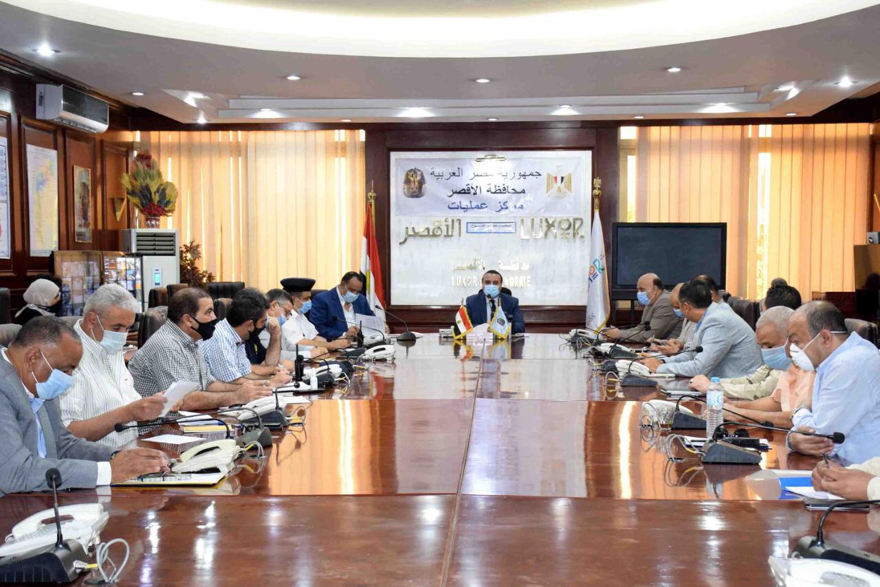 نائب محافظ الأقصر يعقد لقاء لمتابعة الإستعدادات النهائية لإنتخابات  (1)