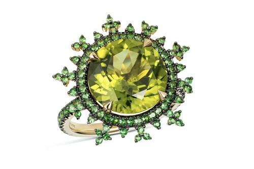 مجوهرات من حجر الزبرجد (2)