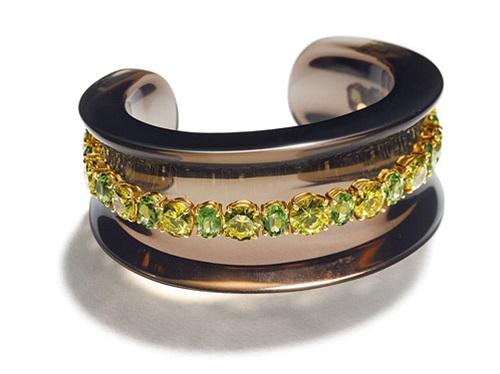 مجوهرات من حجر الزبرجد (4)