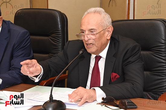 لجنة الشؤون الدستورية والتشريعية (4)
