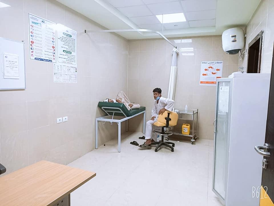 أروقة وأقسام مستشفى إسنا التخصصى تعود للحياة الطبيعية بعد 140 يوماً من العزل  (11)