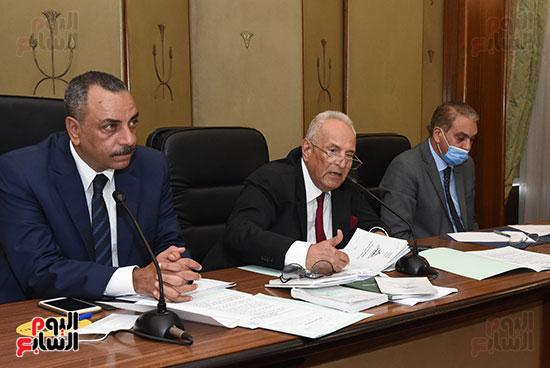لجنة الشؤون الدستورية والتشريعية (11)