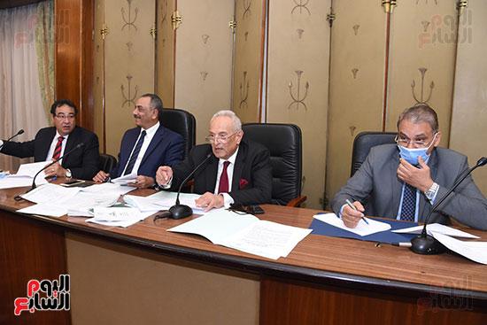 لجنة الشؤون الدستورية والتشريعية (5)