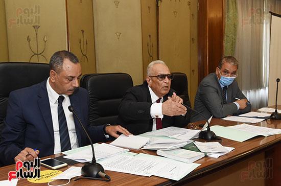 لجنة الشؤون الدستورية والتشريعية (15)