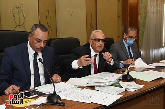 لجنة الشؤون الدستورية والتشريعية (14)