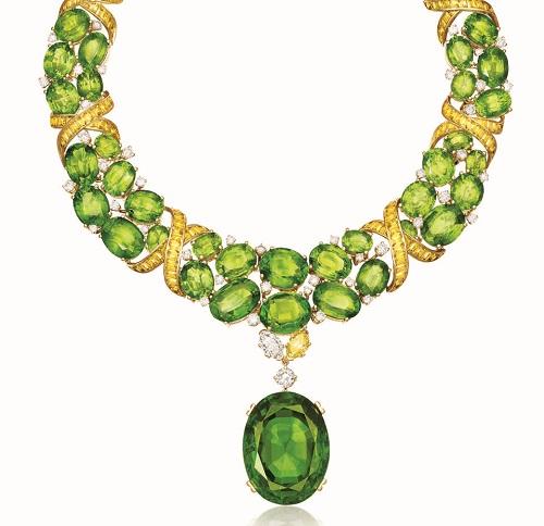 مجوهرات من حجر الزبرجد (3)