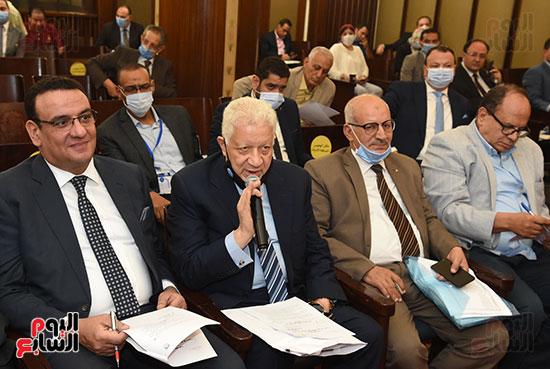 لجنة الشؤون الدستورية والتشريعية (7)