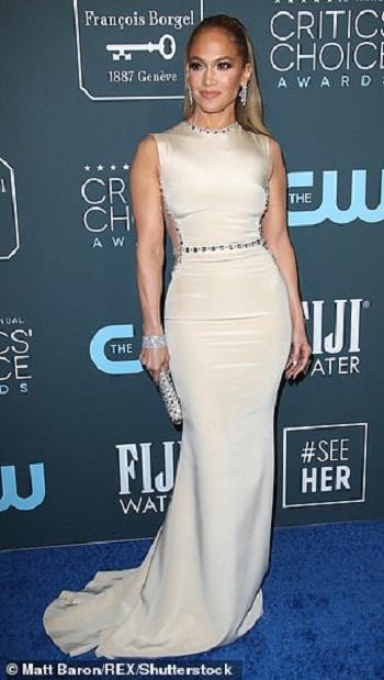 النجمة Jennifer Lopez