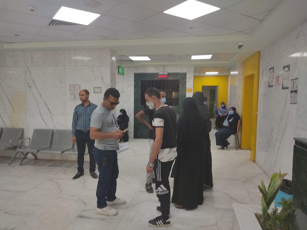 أروقة وأقسام مستشفى إسنا التخصصى تعود للحياة الطبيعية بعد 140 يوماً من العزل  (3)