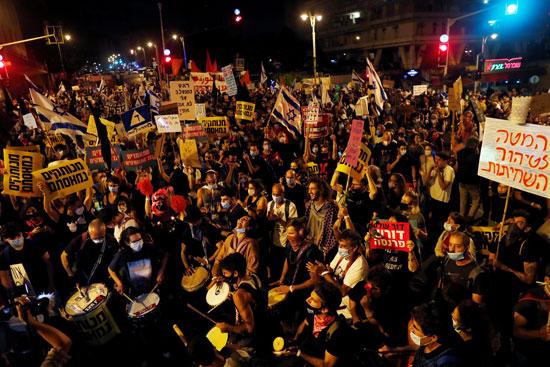 آلاف المتظاهرين يحتجون ضد نتنياهو