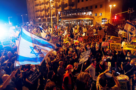 آلاف المتظاهرين ضد نتنياهو