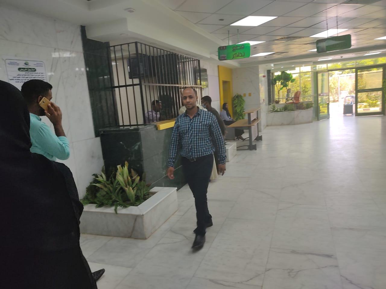 أروقة وأقسام مستشفى إسنا التخصصى تعود للحياة الطبيعية بعد 140 يوماً من العزل  (7)