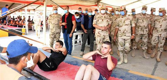 وزير الدفاع يتفقد إجراءات القبول بالكليات والمعاهد العسكرية  (1)