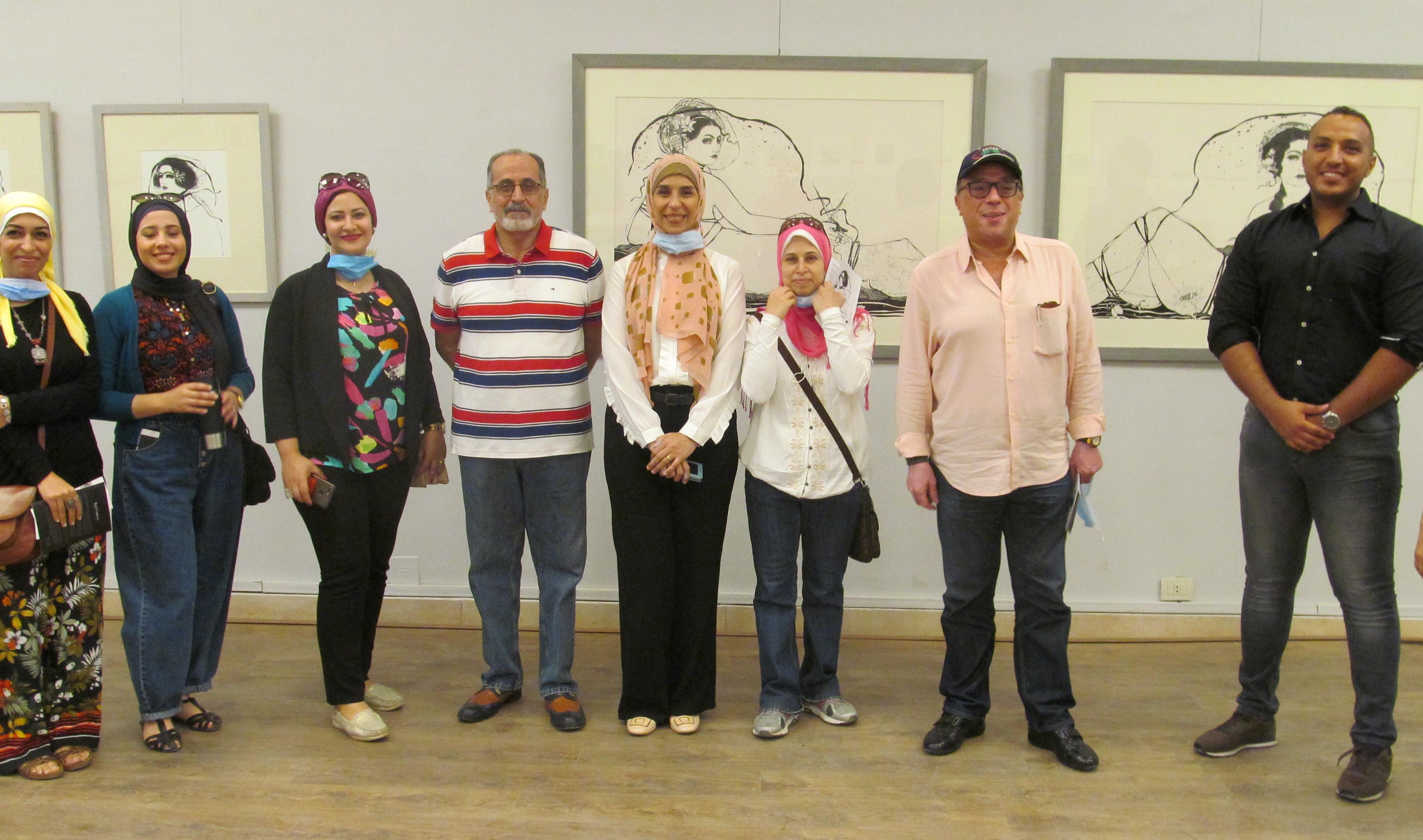 الدكتور أشرف رضا بمعرض الدكتورة إيمان أسامة  (1)