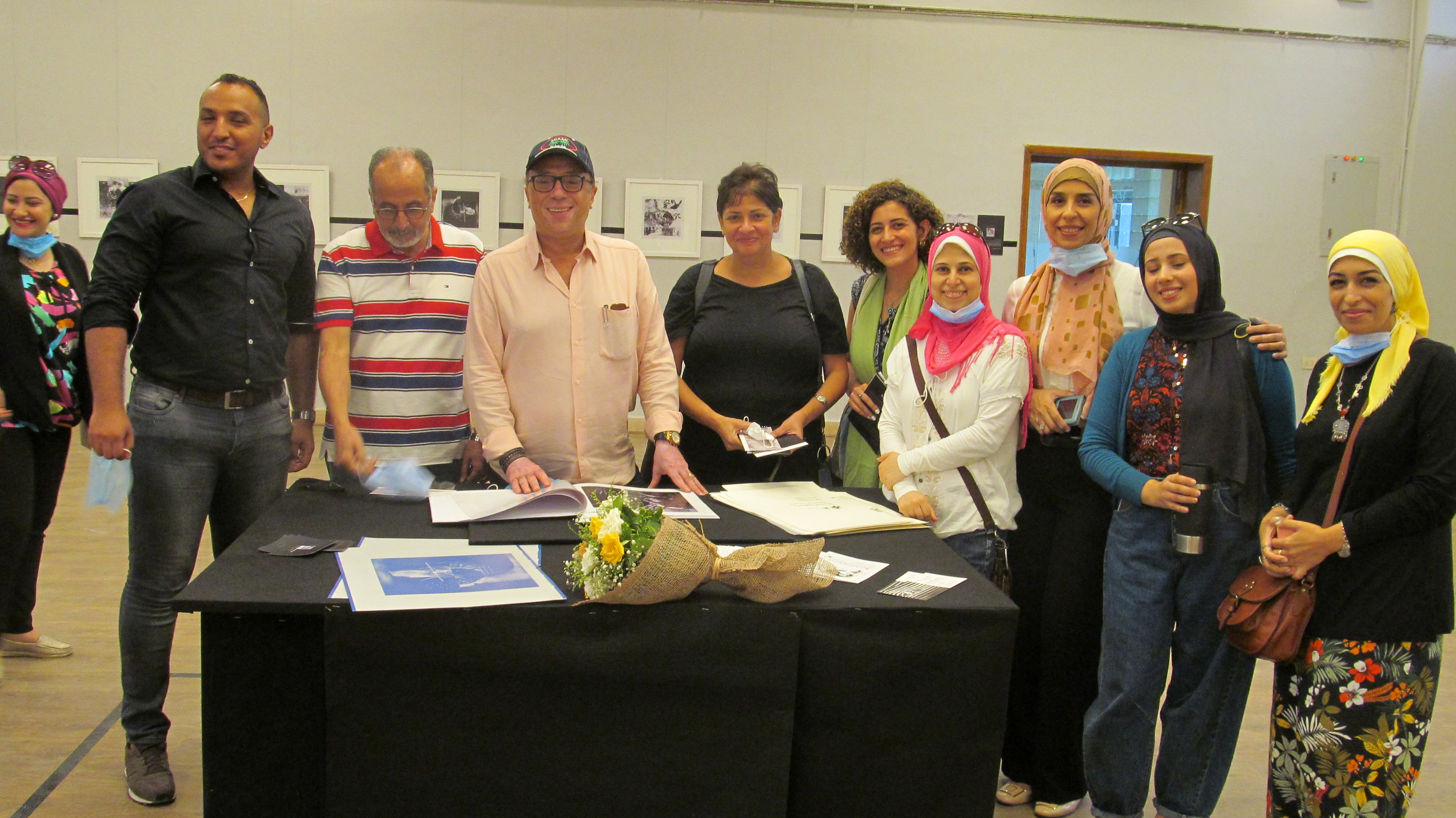 الدكتور أشرف رضا بمعرض الدكتورة إيمان أسامة  (3)