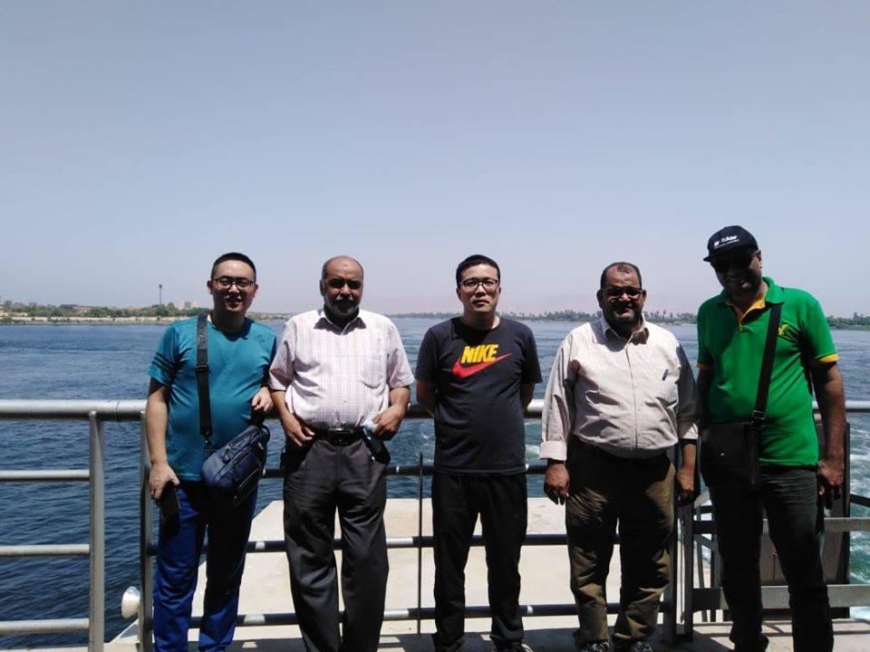 وفد من من الشركة الصينية المنفذة لمشروع محطة توليد كهرباء الهنادى  (1)