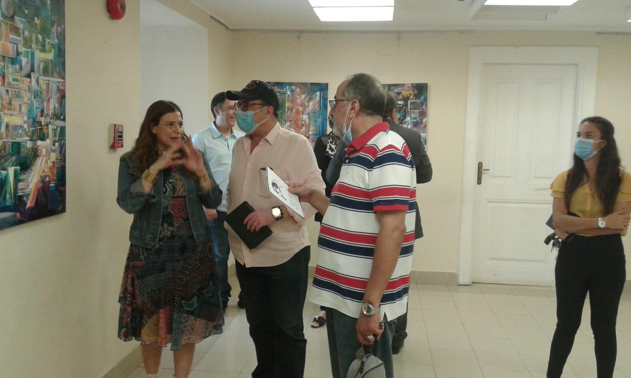 الدكتور أشرف رضا يتفقد معرض الدكتورة مروة سيد حسن  (3)