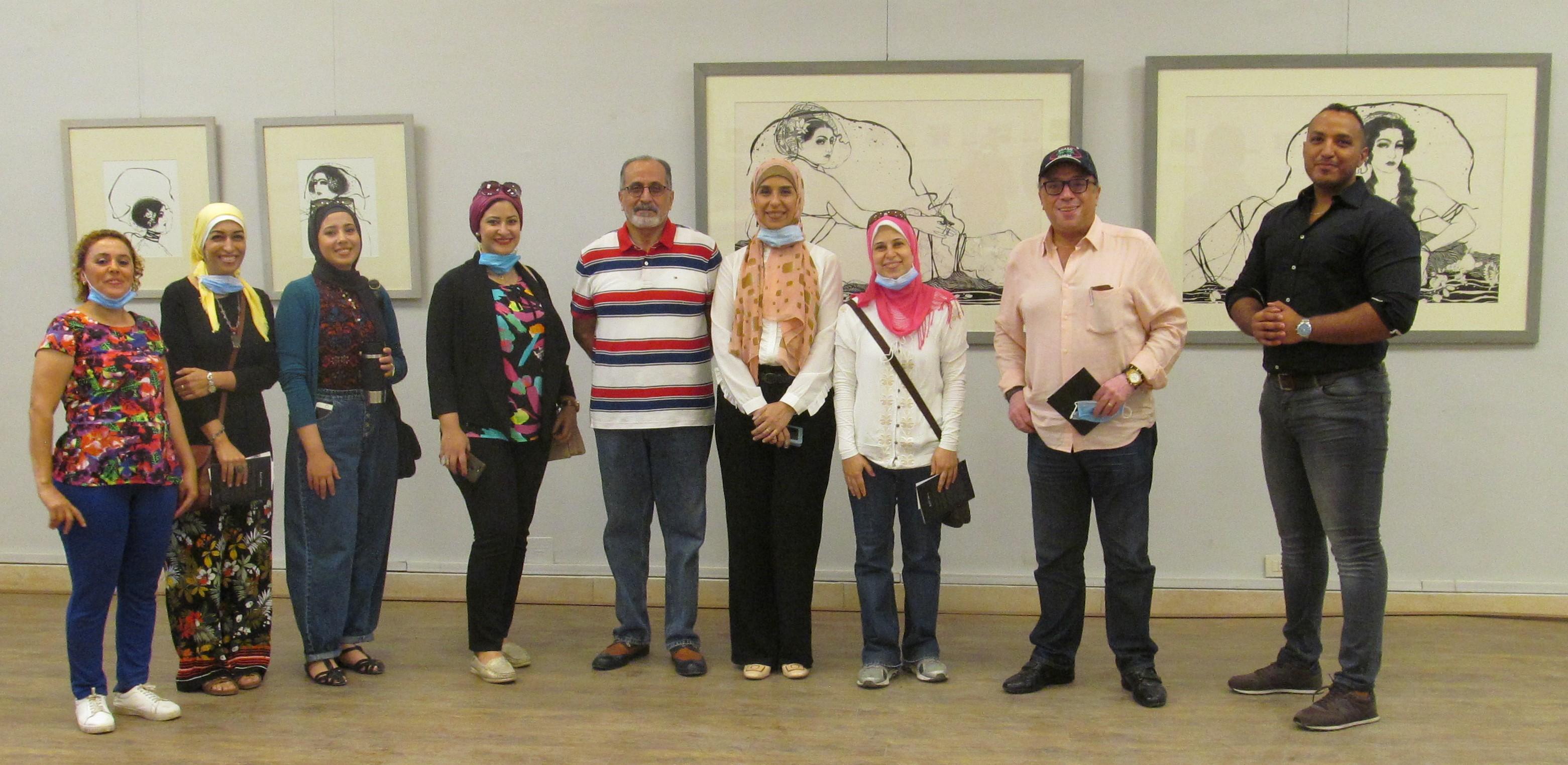 الدكتور أشرف رضا بمعرض الدكتورة إيمان أسامة  (2)
