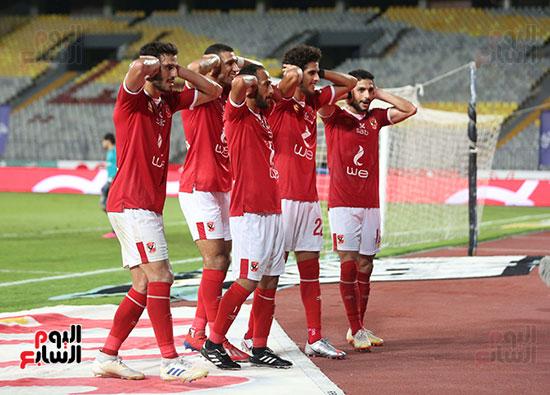 لاعبو الاهلي يحتفلون بالتسجيل على طريقة مؤمن زكريا (1)