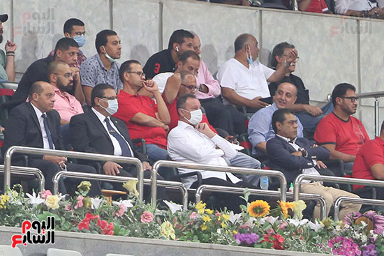 الخطيب ومجلس الاهلي في مباراة الاسماعيلي