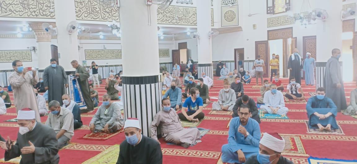 صلاة الجمعة بالمسجد الجديد