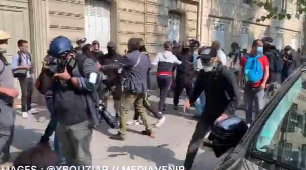 محتجون في باريس