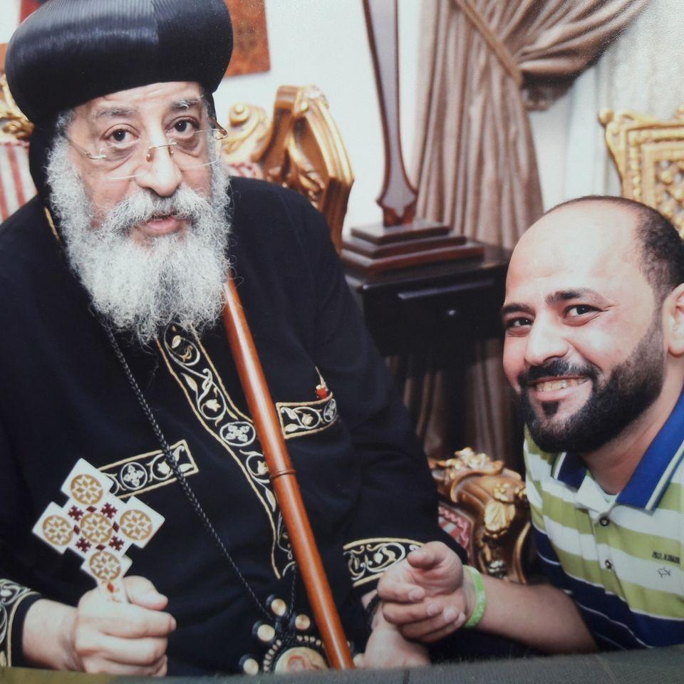 صورة أخرى مع البابا تواضروس