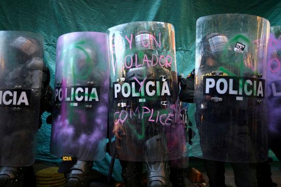 عناصر من الشرطة فى كولومبيا
