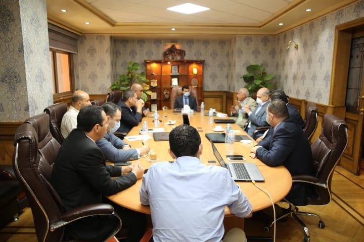 اجتماع الوزير و اللجنة