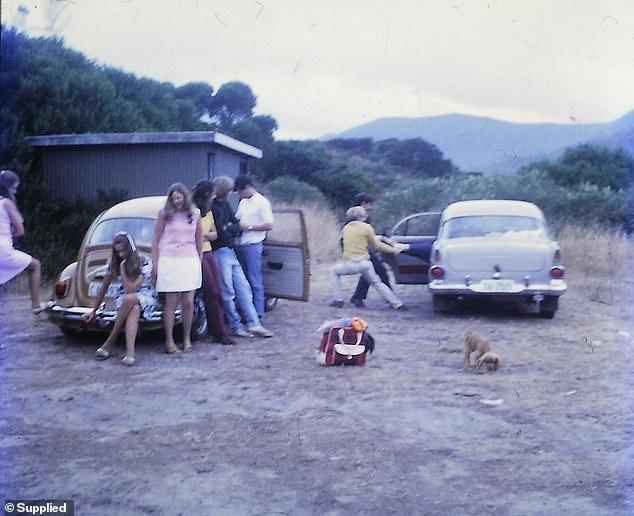 صورة للسيارة قديما