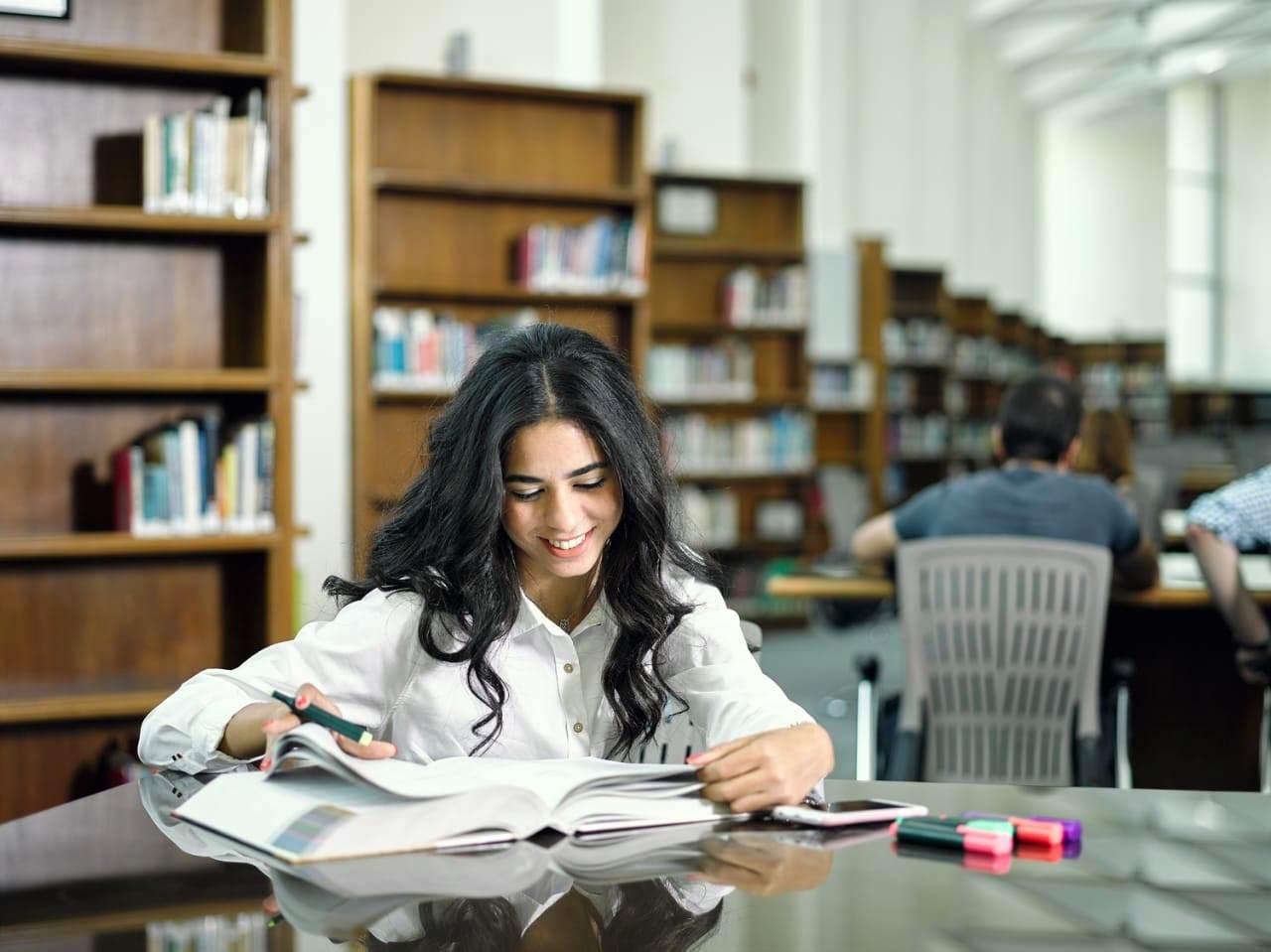 خالد الطوخى ومكتبة جامعة مصر للعلوم  (3)