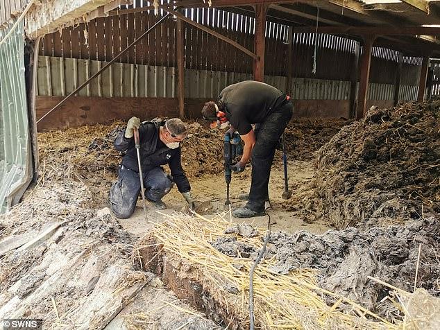 الشرطة البريطانية تعثر على مخبأ للمخدرات تحت الأرض  (3)