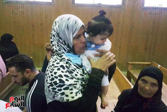 ظهور فرح الطفلة الناجية من مذبحة كفر الدوار (8)