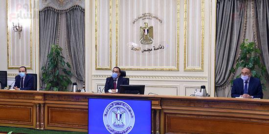 رئيس الوزراء يوجه بدراسة موقف الأراضى المخصصة للجمعيات بالإسماعيلية (4)