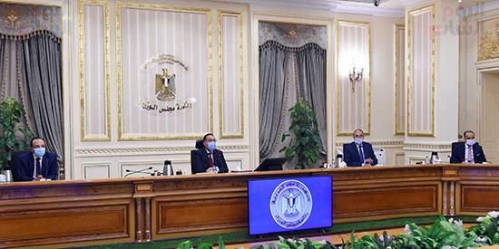 رئيس الوزراء يوجه بدراسة موقف الأراضى المخصصة للجمعيات بالإسماعيلية (3)