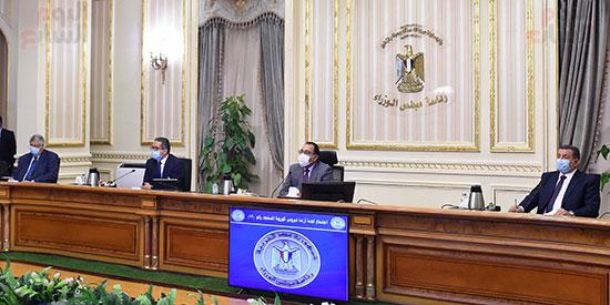 اجتماع لجنة ازمة فيروس كورونا (5)