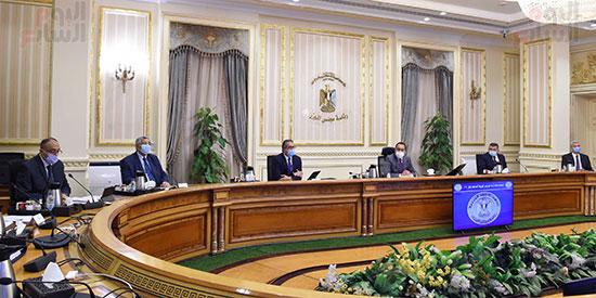 اجتماع لجنة ازمة فيروس كورونا (3)