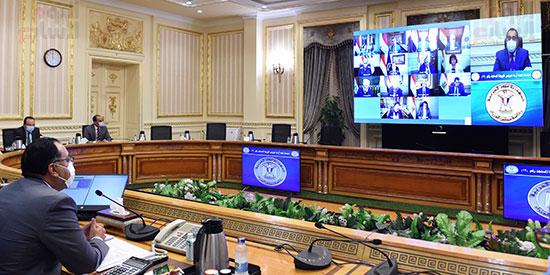 اجتماع لجنة ازمة فيروس كورونا (8)
